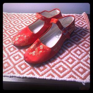 Shoes - Woman's Asian Silk Shoes! NWOT! Gorgeous!